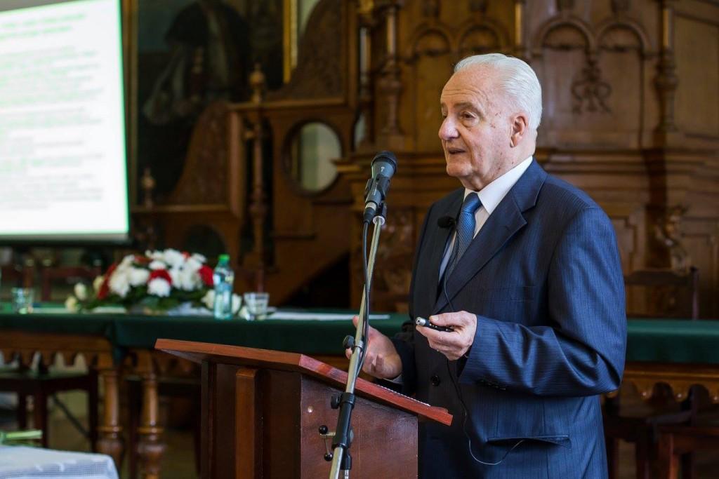 Dr. Uray Zoltán (fotó: Erdélyi Múzeum-Egyesület)