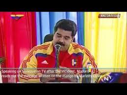 """Nicolas Maduro: """"Szóval ez lenne az a mangó"""" fotó: youtube"""