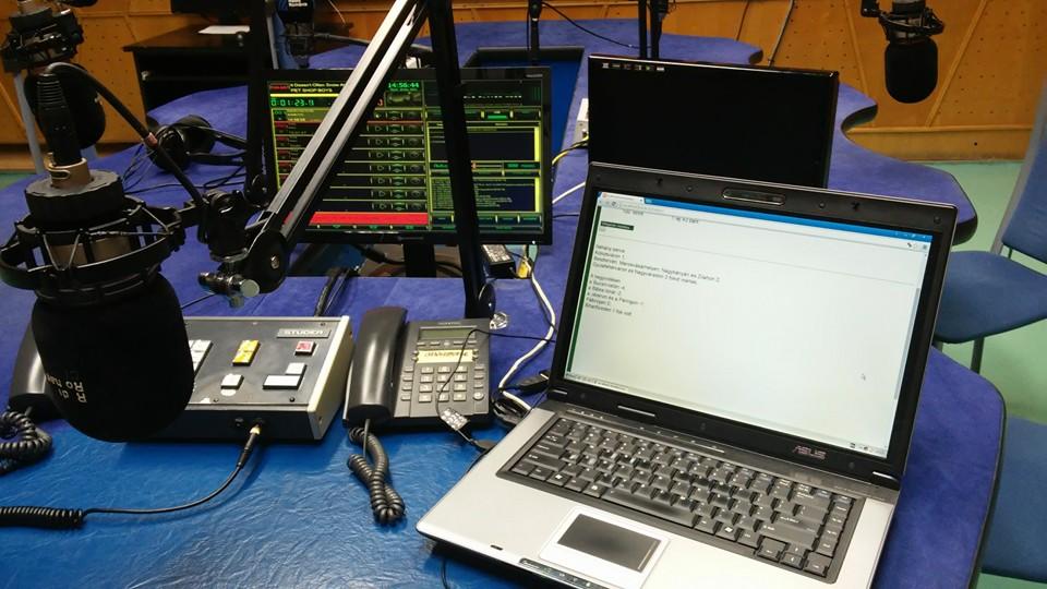 radio-studio-adas-mikrofon-elo