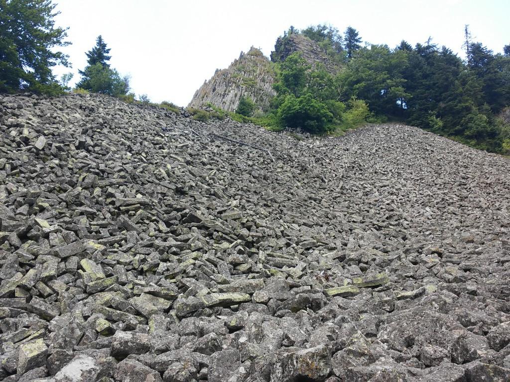 A bazaltoszlopok igazi geológus-csemege. Az amatőr csillagászt sem hagyják hidegen